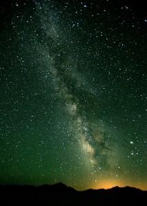 """""""CELUI qui a fait les grands astres lumineux, ... Le soleil pour dominer sur le jour, ... La lune et les étoiles pour dominer sur la nuit, Car Sa bonté dure à toujours ! La Bible, Psaume 136: 7-9"""