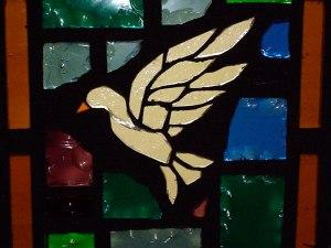 """""""Dès que Jésus eut été baptisé, il sortit de l'eau. Et voici, les cieux s'ouvrirent, et il vit l'Esprit de Dieu descendre comme une colombe et venir sur lui."""" la Bible, Matthieu 3:16"""