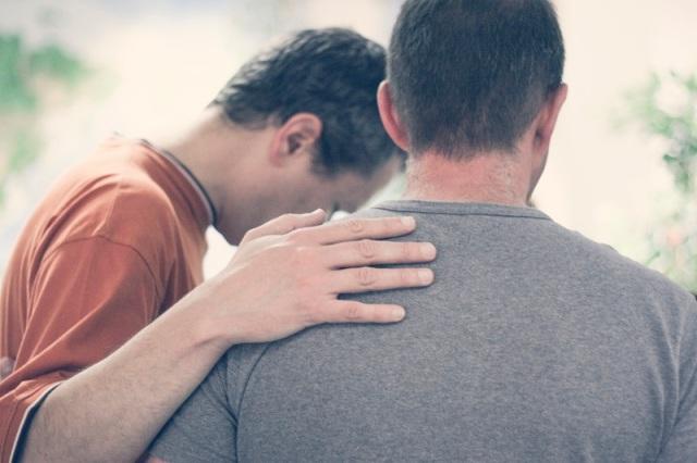 """""""Encouragez-vous les uns les autres et aidez-vous mutuellement à grandir dans la foi..."""" La Bible, 1 Thessaloniciens 5:11"""