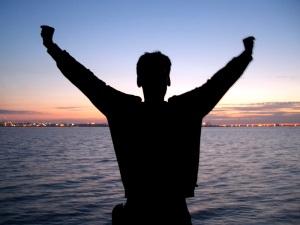 """""""Que le Dieu de l'espérance vous remplisse de toute joie et de toute paix dans la foi, pour que vous débordiez d'espérance, par la puissance du Saint-Esprit!"""" La Bible, Romains 15:13"""