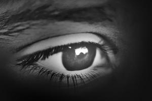 """""""L'oeil est la lampe du corps. Si ton oeil est en bon état, tout ton corps sera éclairé"""" La Bible, Matthieu 6:22"""