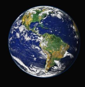 """""""A l'Éternel est la terre et tout ce qu'elle contient, le monde et ceux qui l'habitent"""" La Bible, Psaume 24:1"""