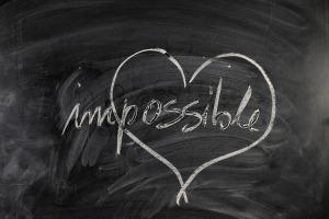 """""""Jésus les regarda, et leur dit: Aux hommes cela est impossible, mais à Dieu tout est possible."""" la Bible, Matthieu 19:26"""