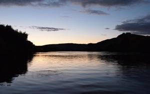 """""""Il me montra un fleuve d'eau de la vie, limpide comme du cristal, qui sortait du trône de Dieu et de l'agneau."""" La Bible, Apocalypse 22:1"""